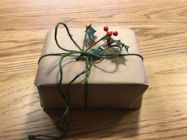plastic free christmas gift wrapping
